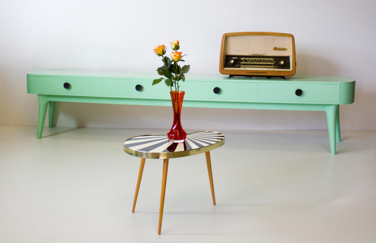 sideboard im charme der 50er jahre astrein gmbh. Black Bedroom Furniture Sets. Home Design Ideas